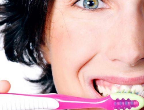 6 dicas para escovar os dentes corretamente